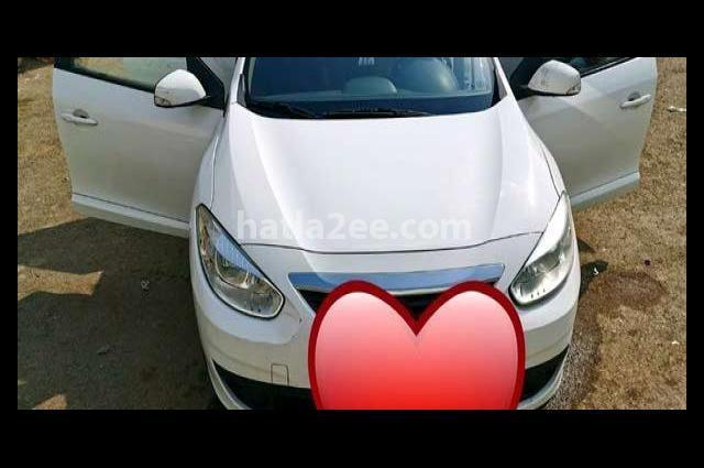 14 Renault أبيض