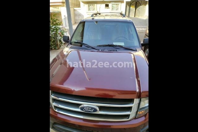 Expedition Ford احمر غامق