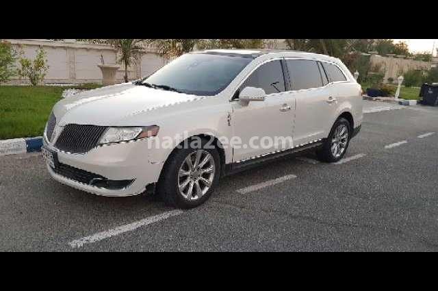 MKT Lincoln أبيض