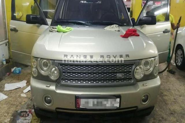 Range Rover Land Rover ذهبي
