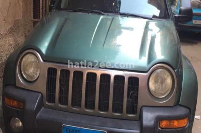 Liberty Jeep أخضر