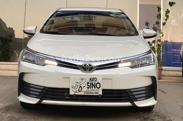 Corolla Toyota أبيض