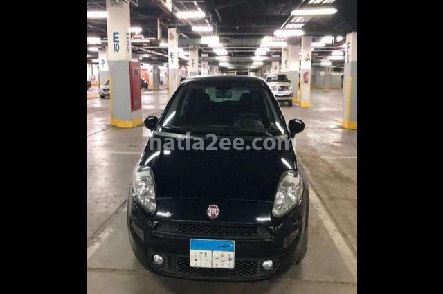 Punto Fiat الأزرق الداكن