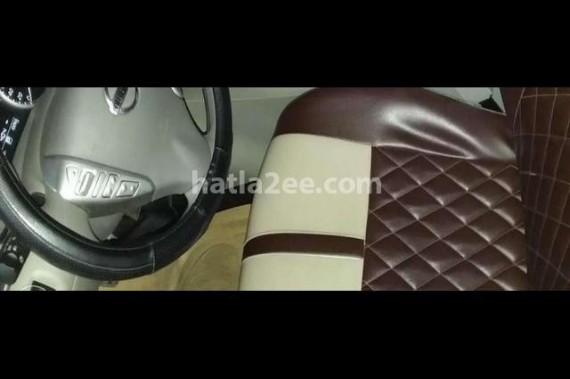 Sentra Nissan رمادي