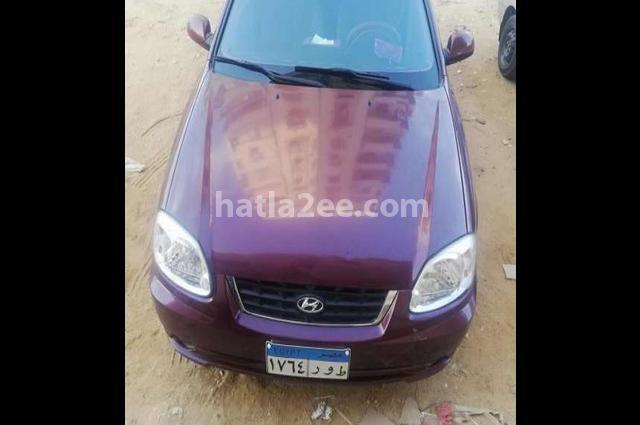 Verna Hyundai احمر غامق