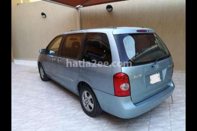 MPV Mazda أزرق