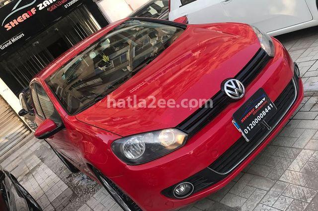 Golf Volkswagen احمر