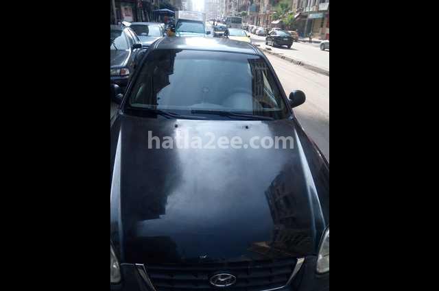 Verna Hyundai أسود