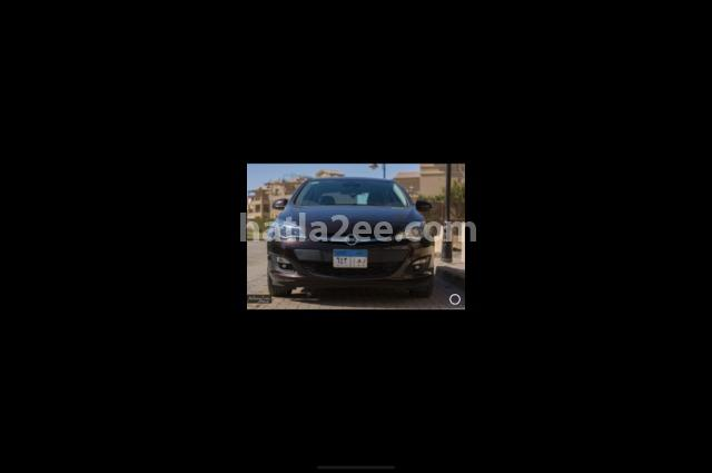 Astra Opel زيتوني