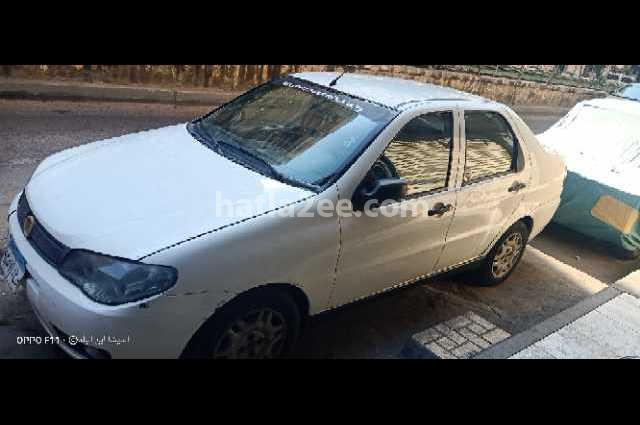 Siena Fiat أبيض