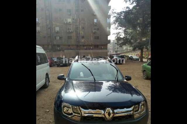 Duster Renault الأزرق الداكن