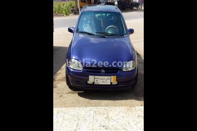 Corsa Opel أزرق
