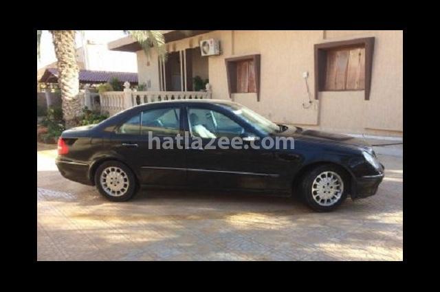 E 320 Mercedes Black