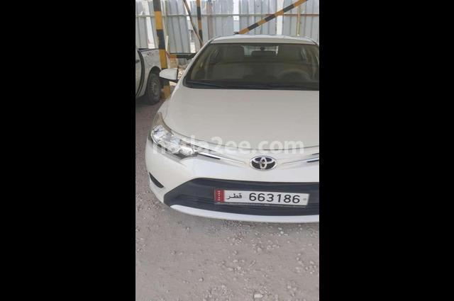Yaris Toyota White