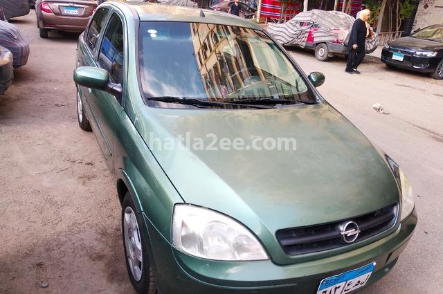 Corsa Opel أخضر