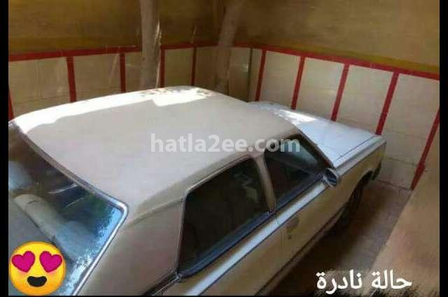 929 Mazda أبيض