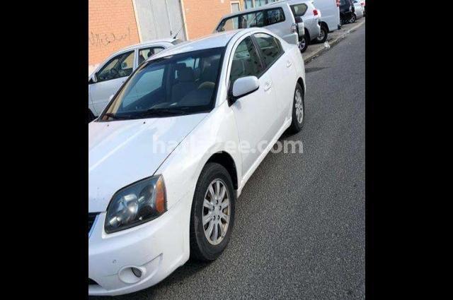 Galant Mitsubishi أبيض