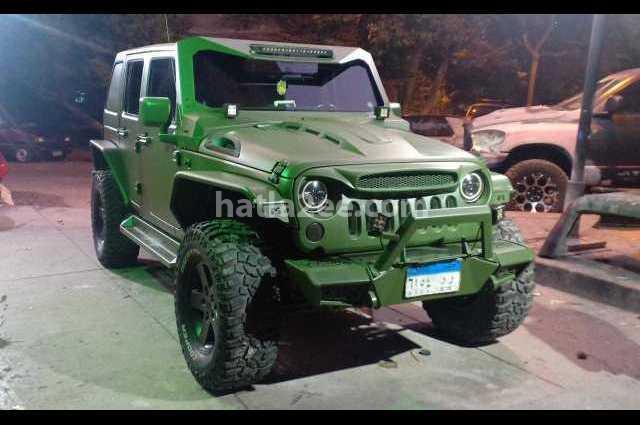 Wrangler Jeep زيتوني