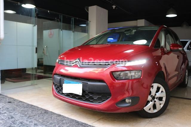C4 Picasso Citroën احمر