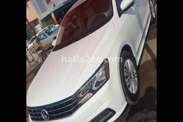 Passat Volkswagen أبيض