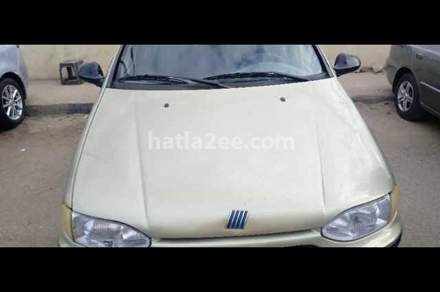 Siena Fiat زيتوني