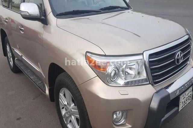 Land Cruiser Toyota Gold