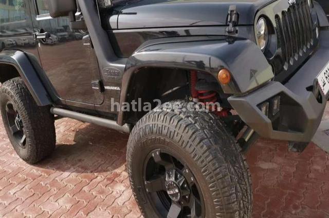 Wrangler Jeep أسود