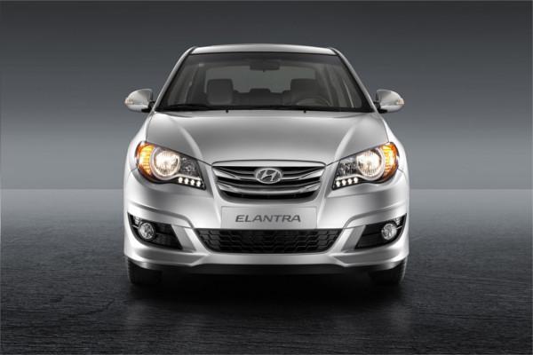 Hyundai Elantra HD 2019 Automatic /  GL DAB ABS HD Tinted glass New Cash or Installment